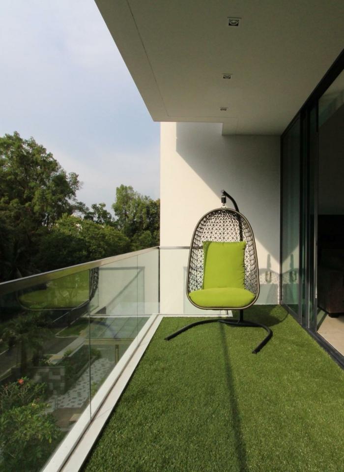 balcon pequeño verde decorado en estilo minimalista, decoracion terrazas aticos, fotos de terrazas modernas y comodas