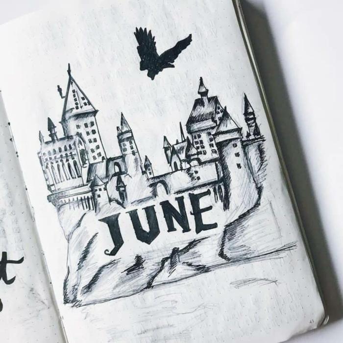 dibujo en cuaderno inspirado en la escuela de Hogwarts de Harry Potter, dibujos de harry potter para colorear en fotos