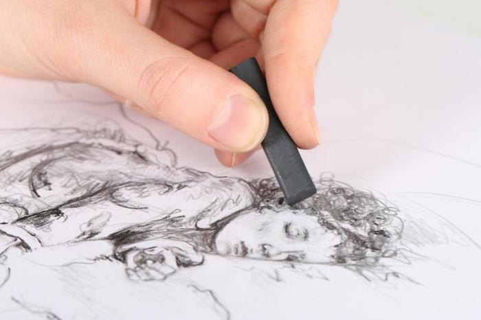 ideas y tecnicas para dibujar con carboncillo, dibujos a carboncillo, fotos de dibujos de personas hechos con carbón