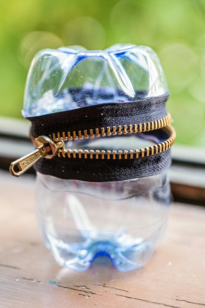 geniales ideas de manualidades con plastico. estuche para lapices hecho de una botella de plastico reciclada, ideas de manualidades
