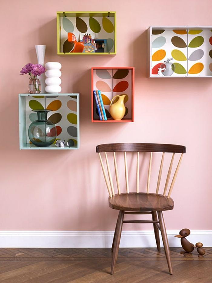 estanterias pintadas en colores vibrantes, restaurar muebles, como pintar un mueble de madera, fotos de casas decoradas