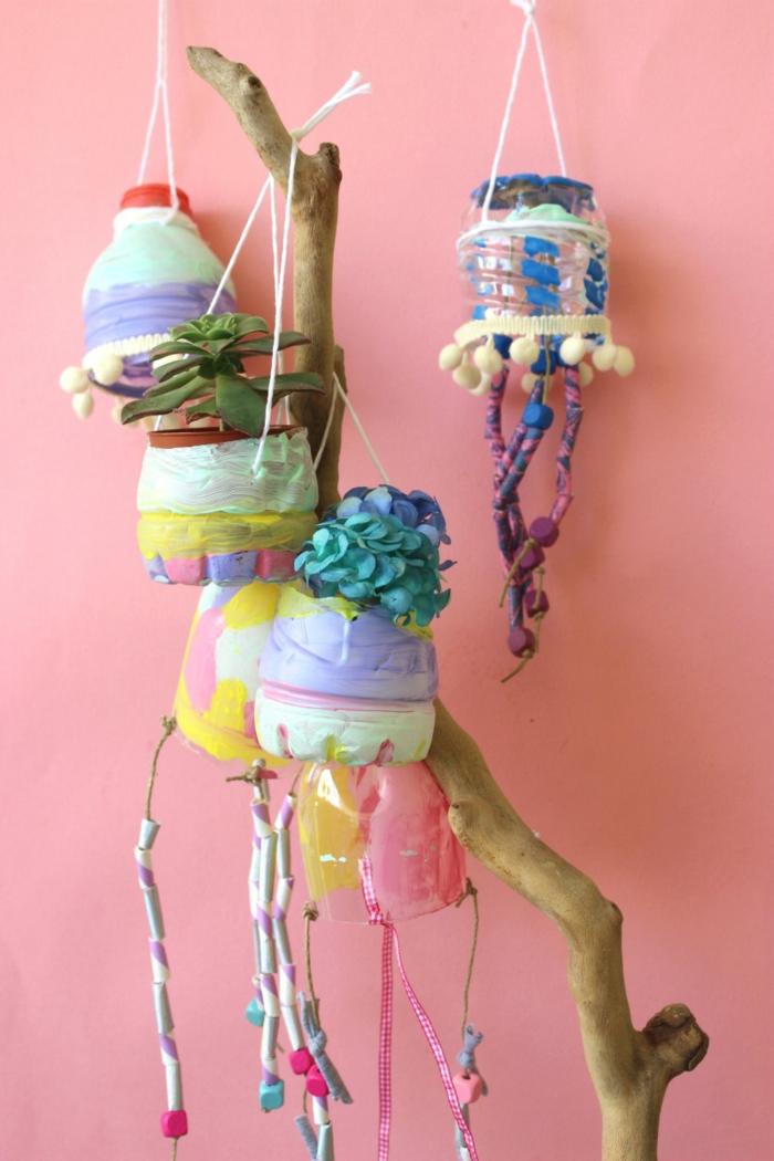 detalles decorativos para la casa, macetas colgatens hechas de plastico, que hacer con botellas de plastico en fotos