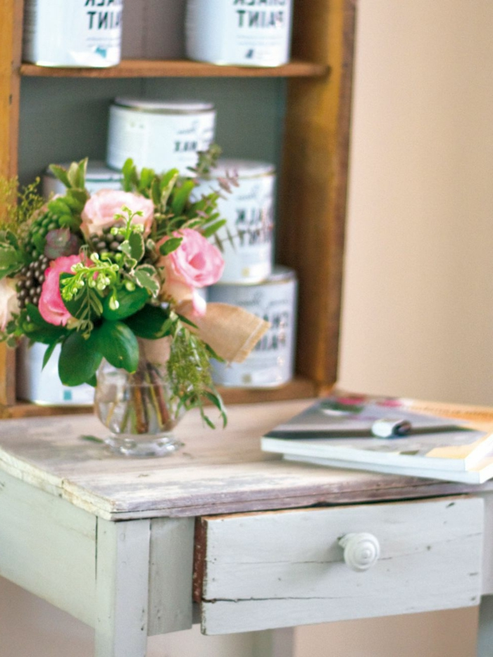 ideas decoracion, pintar muebles en colores efecto desgastado, como pintar un mueble de madera de otro color en fotos