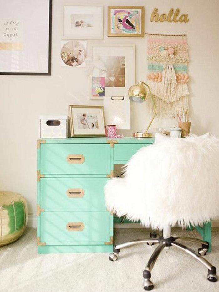 escritorio pintado en color verde menta, restaurar muebles, como pintar un mueble de madera, paredes pintadas y cuadros