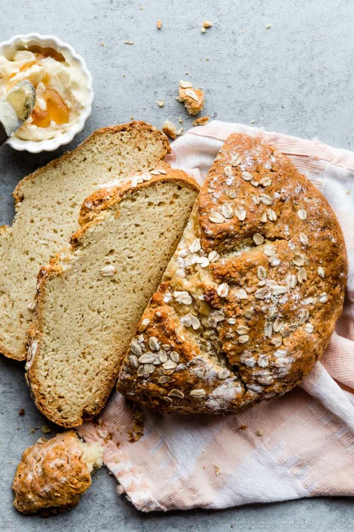como hacer pan en el horno de casa, pan sin levadura, ideas de pan caseros, pan sin levadura facil y rico copos de avena