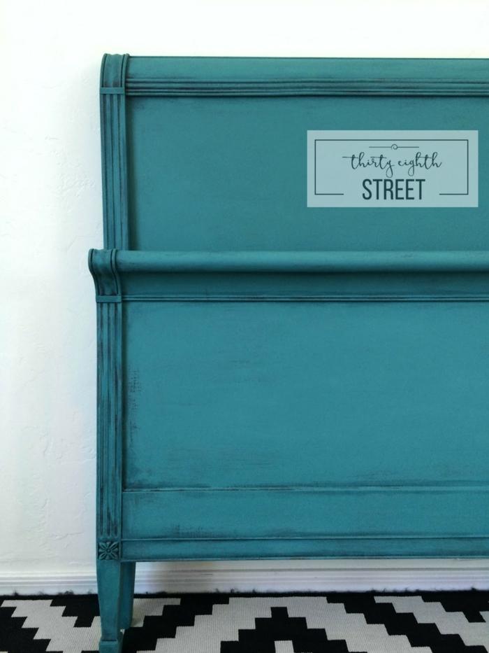 como pintar un cofre en color verde brillante, como pintar un mueble de madera de otro color, ideas para decorar el salon