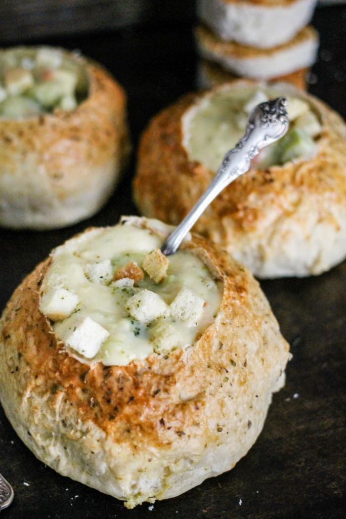 ideas sobre como hacer pan con masa madre, sopa crema en pan rustico, ideas de recetas caseras faciles y rapidas
