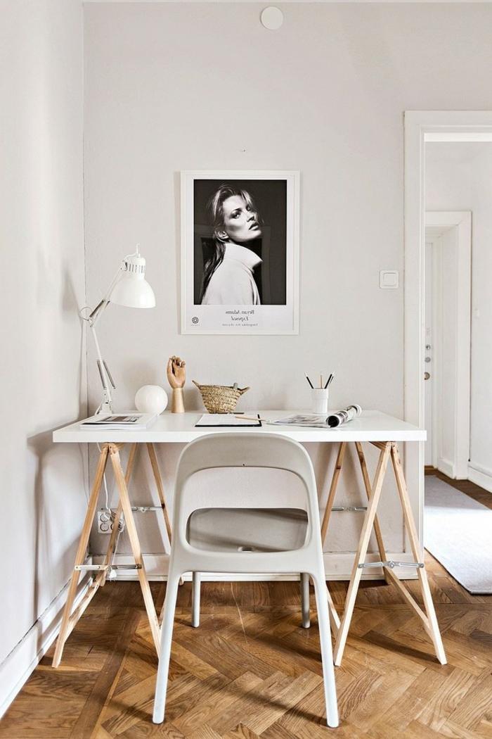 mesa despacho ikea en color blanco, ideas para otpimizar el espacio y decorar un despacho moderno en casa para teletrabajar