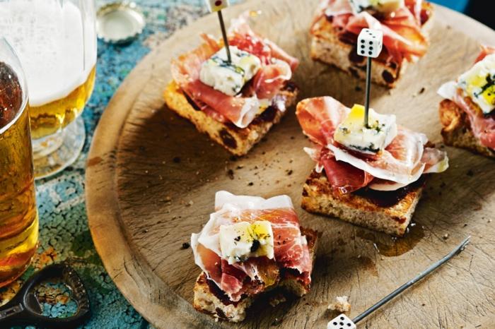 geniales ideas de pinchos faciles, canapes con jamon y queso azul, mas de 80 ideas de apetitosas propuestas de tapas y pinchos
