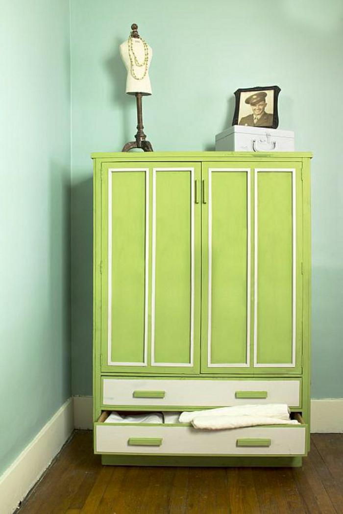 armario pintado en color verde claro, como pintar un mueble de madera de otro color, armario pintado en color verde claro