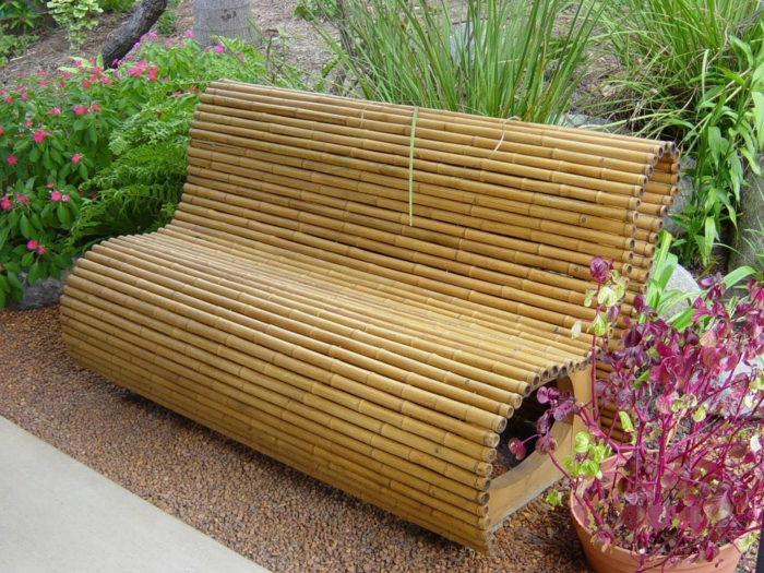 banco de palos de bambu, ideas de proyectos decorativos para el jardin con bambu, cañas de bambu decorativas