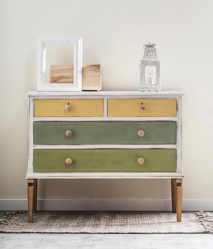 geniales ejemplos de muebles pintados a la tiza antes y despues, como decorar tu salon en estilo vintage con muebles renovados