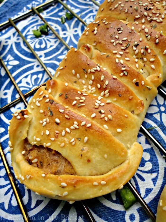 pan apetitoso con relleno de pollo, pan sin levadura, hacer pan con masa madre, ideas de recetas de pan ricas y faciles