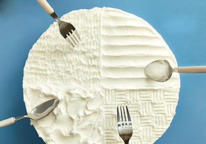 cuatro ideas sobre como decorar una tarta, trucos para decorar una tarta de manera especial, fotos de tartas decoradas
