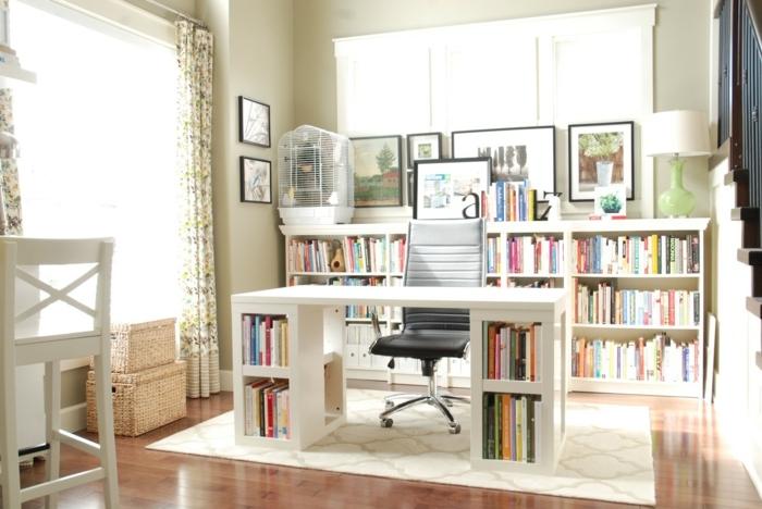 biblioteca moderna y espaciosa con escritorio para teletrabajr, ideas sobre como organizar un espacio de trabajo en casa
