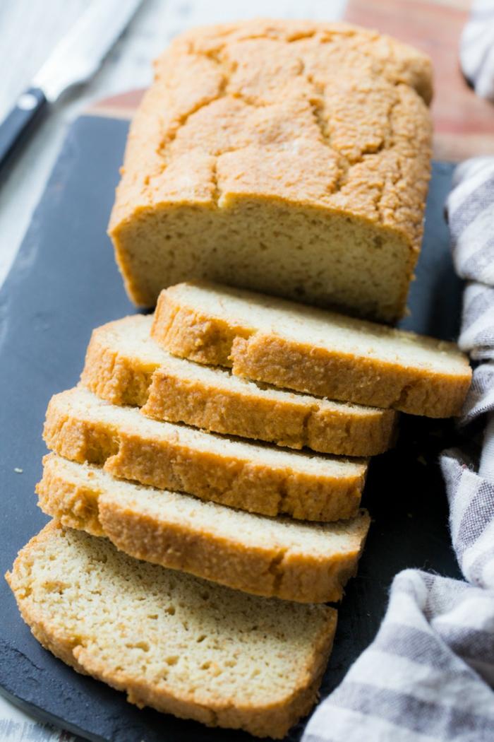 pan de harina de maiz saludable y rico, ideas de hacer pan en casa, fotos de recetas caseras faciles de hacer en casa