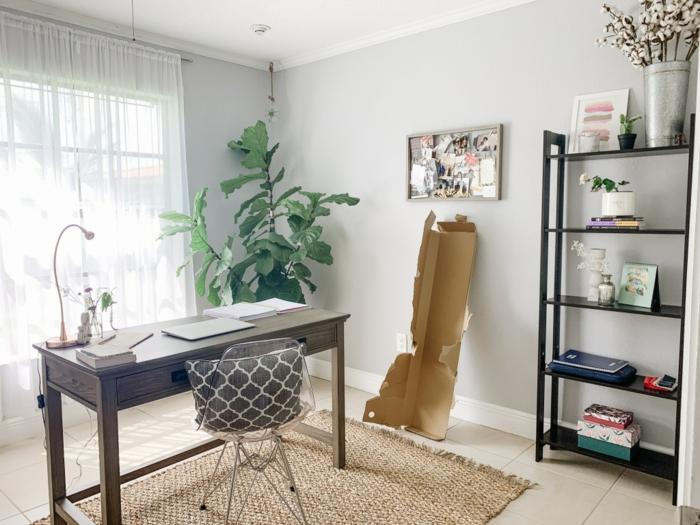 salon decorado con mucho encanto con mesa de madera, muebles pintados a la tiza antes y despues, fotos de salones decorados
