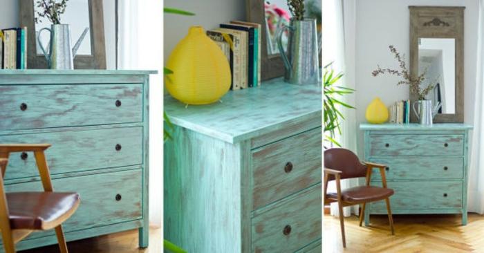 muebles pintados con pintura a la tiza, cofres pintados en colores llamativos, ideas de muebles vintage con efecto desgastado