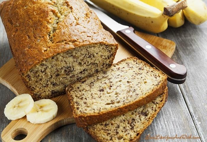 pan dulce con platano y semillas de chia, como hacer pan en casa, fotos de panes ricos y faciles de hace, pan de platano