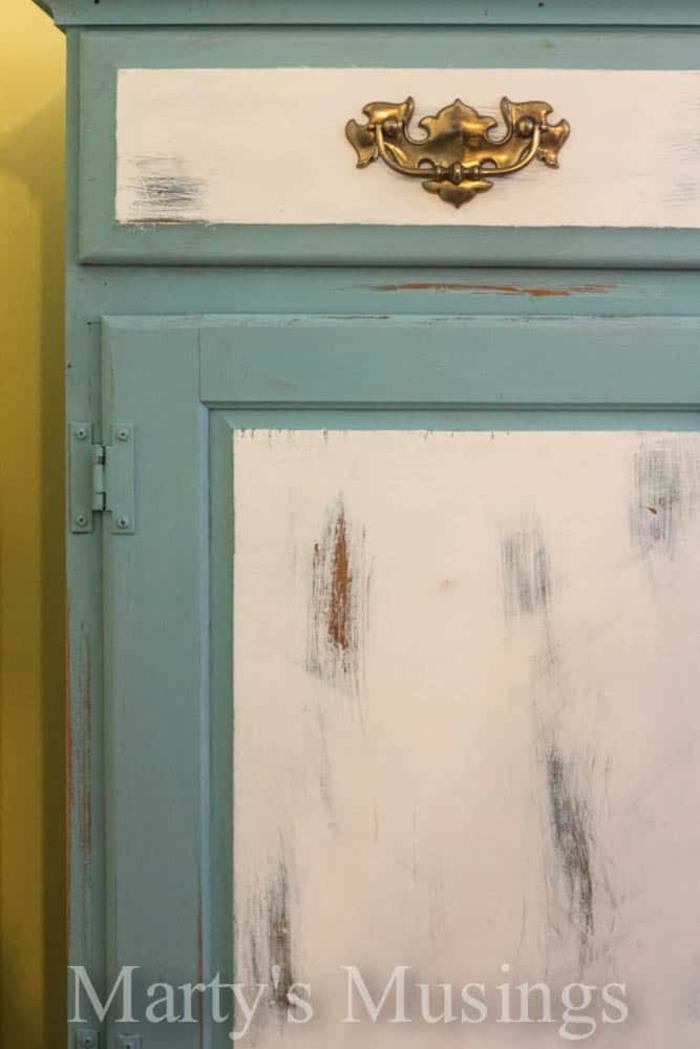 restaurar muebles, como pintar un mueble de madera, pintar un mueble de madera en blanco y azul, fotos de muebles