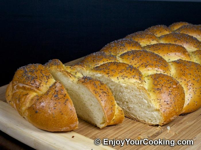 pan italiano con semillas de sesamo negro, como hacer pan en el horno de casa, receta de pan casero esponjoso, ideas de recetas de pan