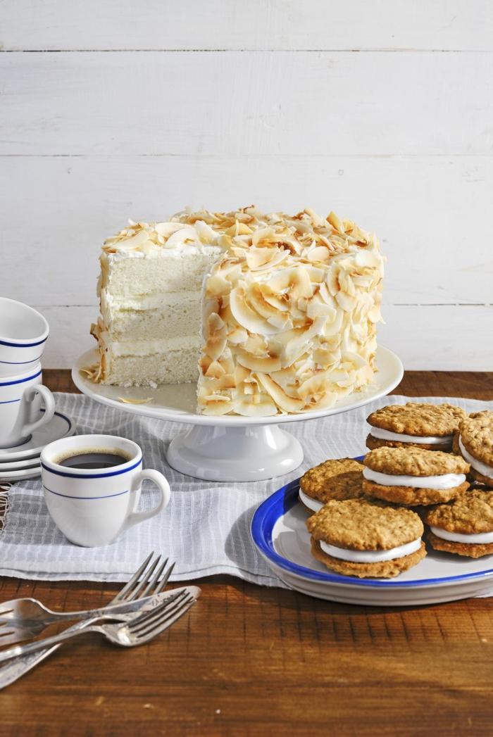 decorar una tarta con nueces y ralladura de coco, tartas ricas y faciles de preparar en casa, fotos de tartas para compartir