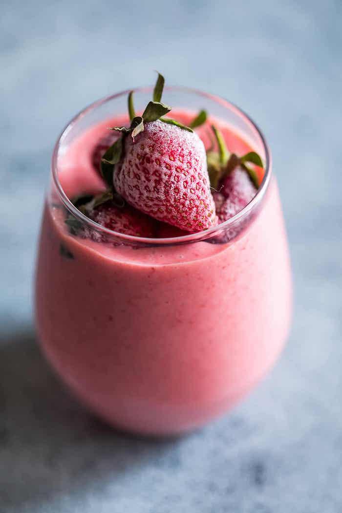 las mejores ideas sobre como hacer un batido de frutas, batido de fresa con hielo, ideas de recetas de batidos ricos