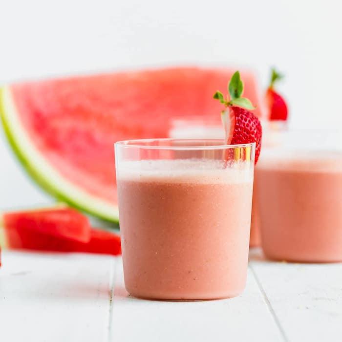 batidos de frutas de verano, como preparar un smoothie de melocoton rico y saludable, smoothie recetas faciles