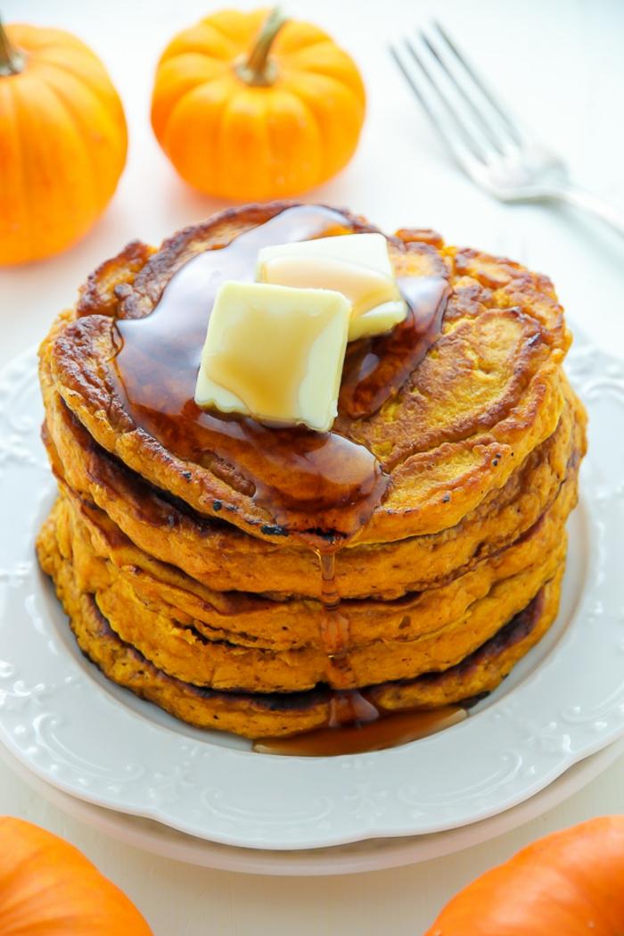 tortitas de calabaza paso a paso, ideas de recetas de desayuno sanas y ricas, fotos de panqueques saludables y originales