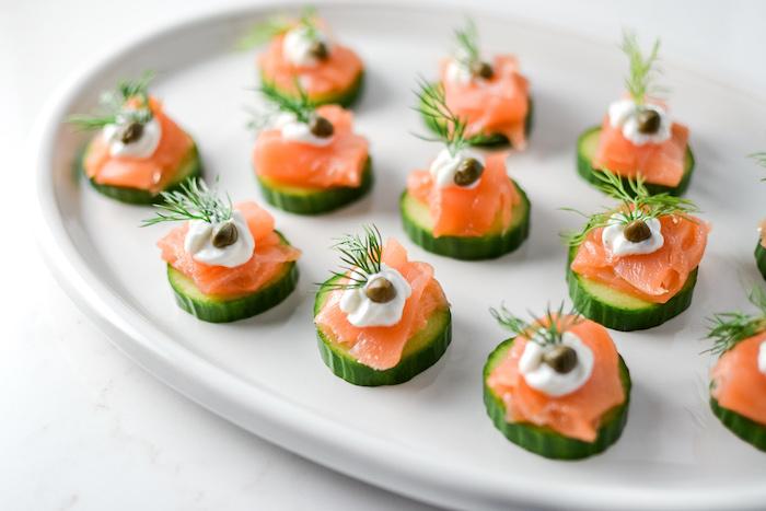 a preparar canapés faciles y vistosos pepinos salmon ahumado crema enaldo canapés faciles y vistosos fotos de tapas