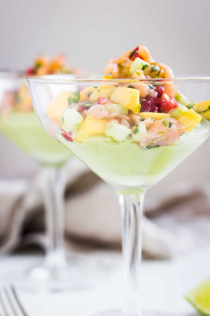 aguacate coctel salmon ahumado ideas de entrantes sofisticados aperitivos faciles y elegantes fotos de aperitivos