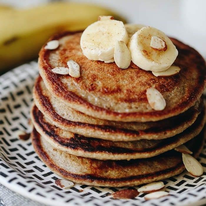 como hacer tortitas americanas, como hacer tortitas caseras, tortitas veganas, ideas de recetas de desayunos faciles y rapidos
