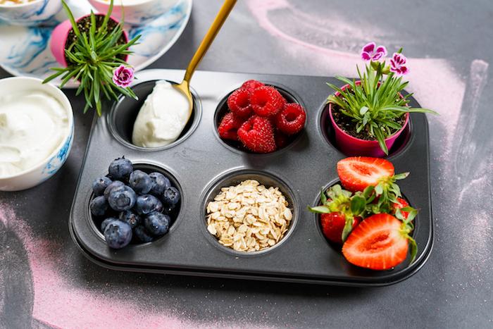 arandanos fresas frambuesas ideas para hacer postres faciles copos de avena postres con frutas magdalenas caseras