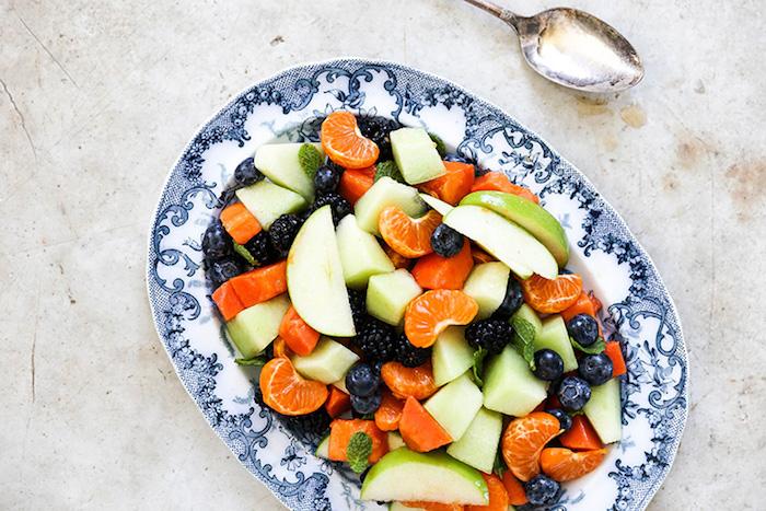 las mejores ideas de ensaladas verdes con arandanos, deliciosas ideas de ensaladas faciles de hacer, macedonia de frutas receta