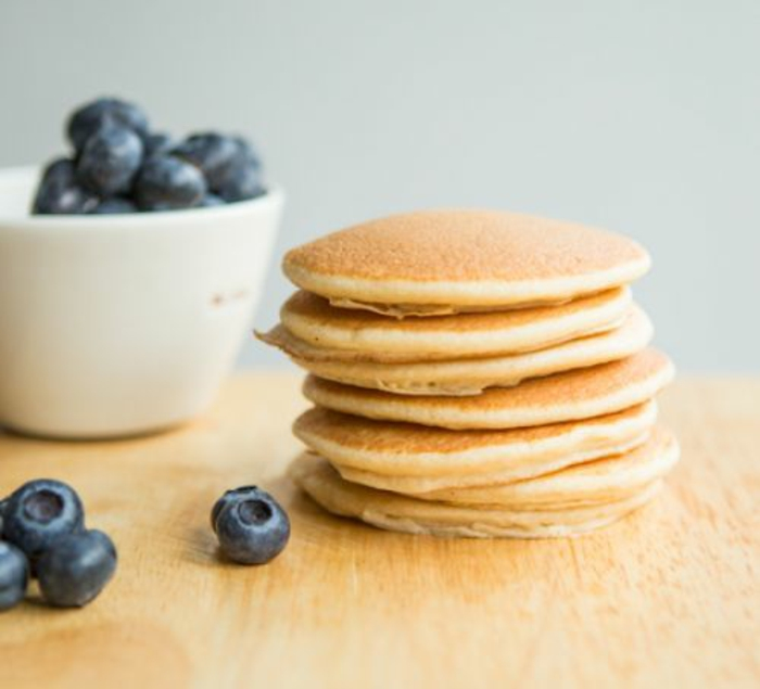 como hacer tortitas esponjosas y faciles de hacer en casa, recetas de tortitas saludables en casa, fotos de desayunos