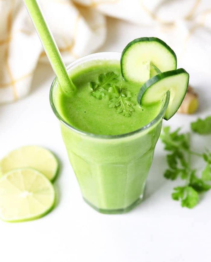 batidos de fruta verduras, ideas de batidos verdes saludables y faciles de hacer en casa, fotos de batidos sanos