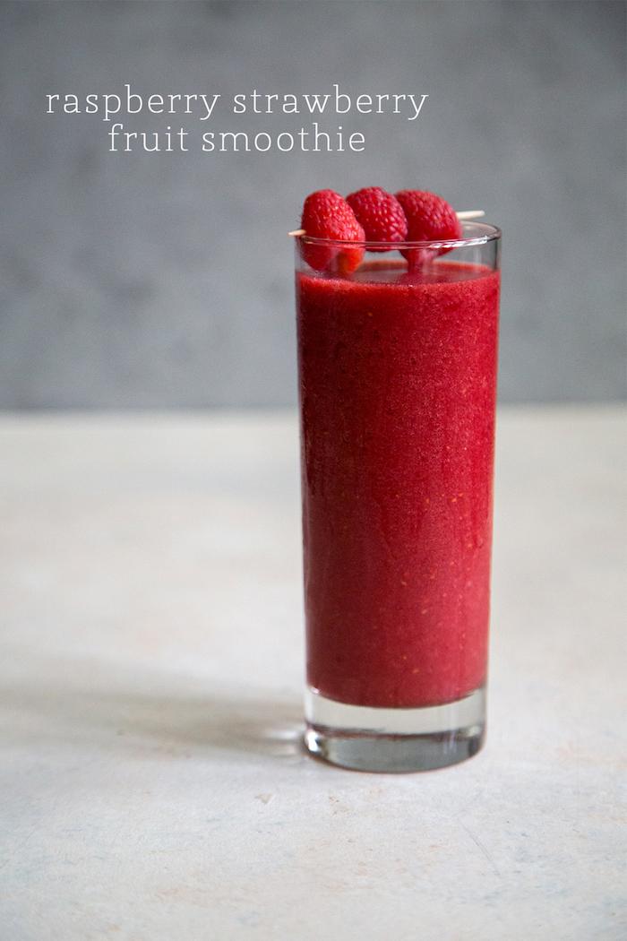 batido de fresas y frambuesas, las mejores ideas de batidos de frutas ligeros para el verano, como hacer un smoothie