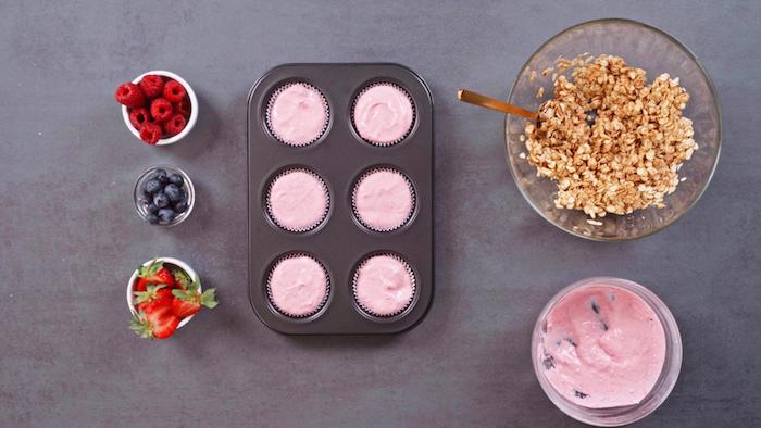 como hacer magdalenas con skyr avena desayunos con avena ricos arandanos congelados fresas frambuesas