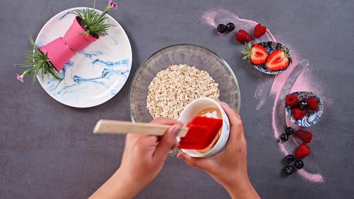 como hacer magldalenas congeladas con skyr paso a paso helado casero copos de avena frutas frescas