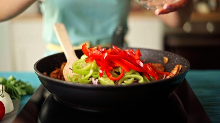 como hacer quesadillas caseras paso a paso pimientos verdes rojos fotos de quesadillas con pollo recetas paso a paso