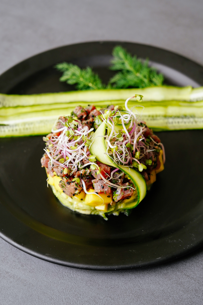 como hacer tartar de atun con aguacate entrantes faciles para sorprender a tus invitados fotos de recetas cetogenicas