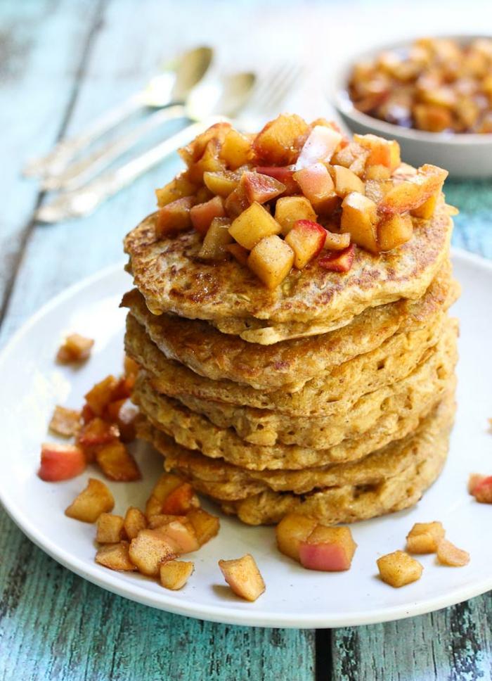 panqueques esponjosos integrales, ideas de receta, tortitas de platano y avena, desayuno sanos y equilibrados, ideas de desayunos nutritivos y fáciles de hacer, como hacer tortitas caseras