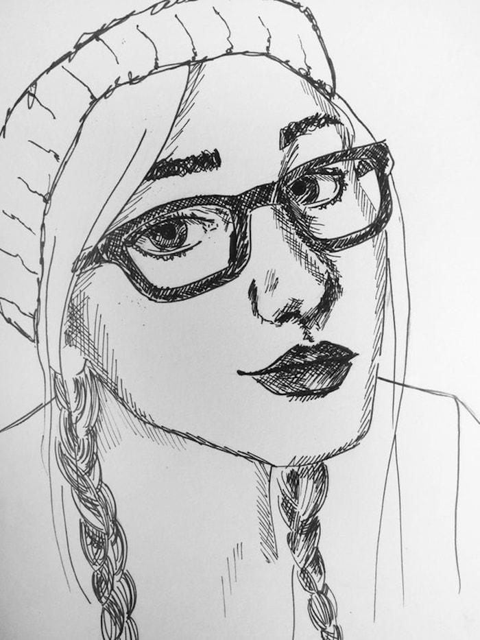 dibujo de niña con gafas y pelo trenzado, ideas de dibujos originales y faciles de hacer, cara de perfil, cara niño dibujo, dibujo cara mujer