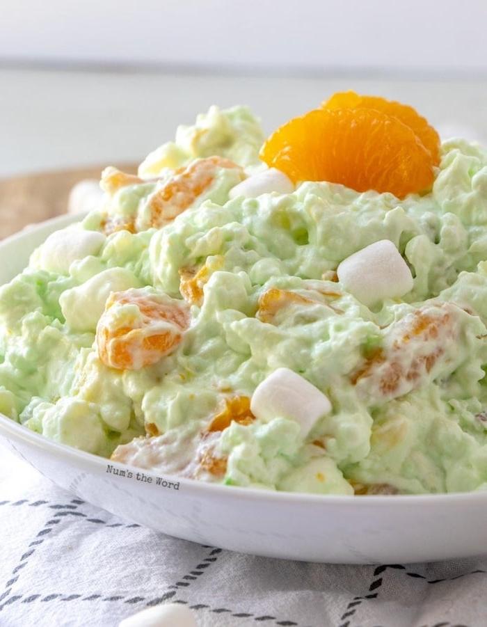 ensalada verde cin mandarinas y marshmallow, ideas de recetas caseras faciles de hacer en casa, ensaladas dulces