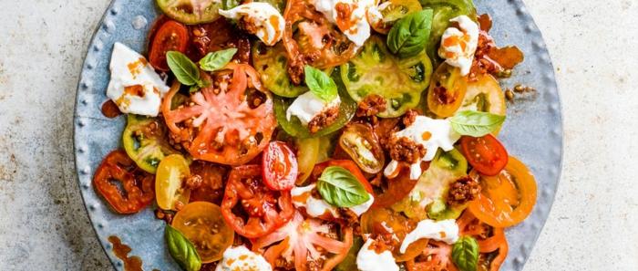 ensalada con tomates albahacas yogurt recetas faciles para sorprender a invitados ideas de recetas oriignales