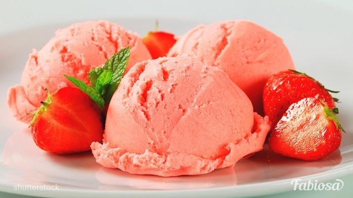 helado de fresas como hacer helado de frutas fotos de helados caseros faciles de hacer en casa helado de fresas
