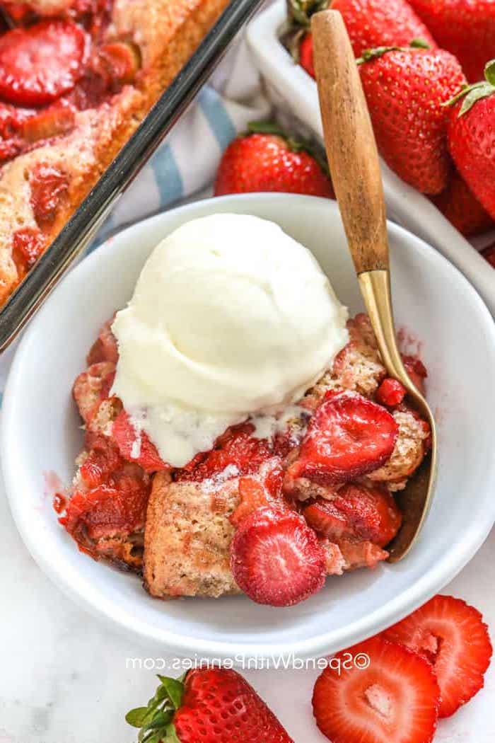 helado de vainilla con fresas tarta de fresas casera recetas de postres con helado saludables helado con frutas