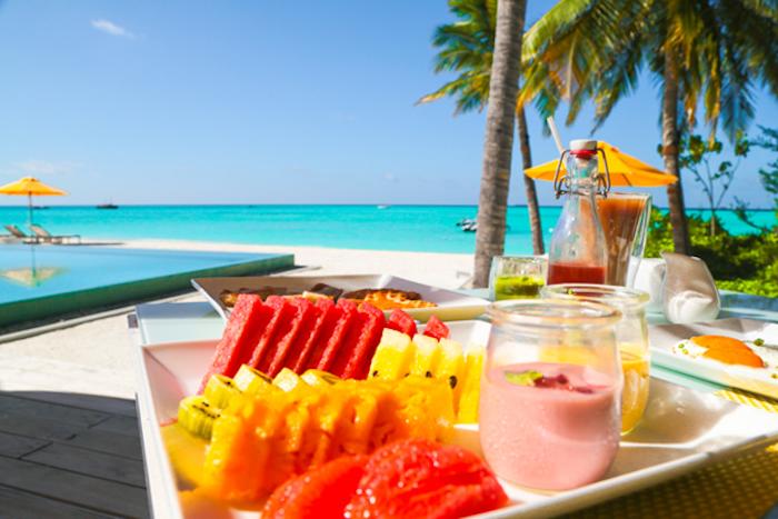 batidos ricos y nutritivos para comer en verano, ideas de bebidas sanas y faciles de hacer para una dieta equilibrada