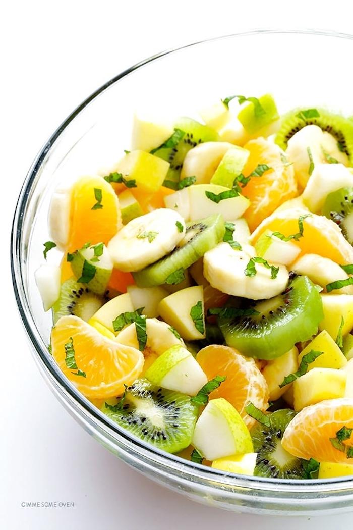 ensaladas con frutas y verduras, ideas para hacer ensaladas para el verano faciles y rapidas, fotos de ensaladas