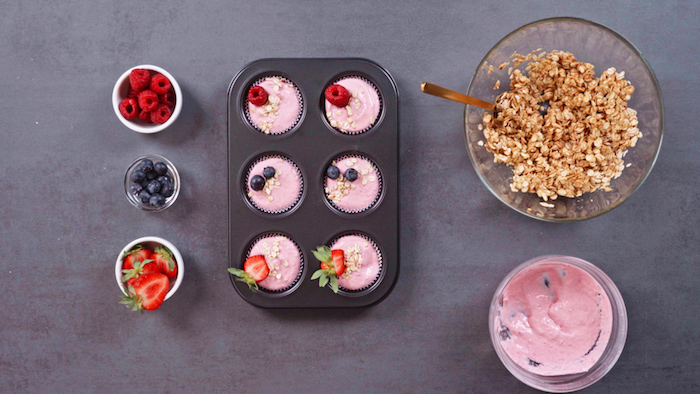 magdalenas con skyr avena arandanos fresa frambuesas ideas de recetas caseras faciles de hacer en casa postres sanos